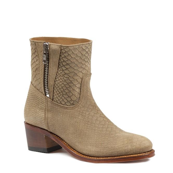 Studio24-7 Boots&Woods